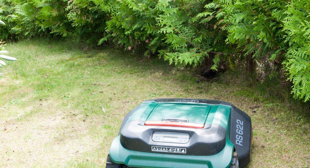 Se – vi styrer gressklipper-roboten med iPad-en