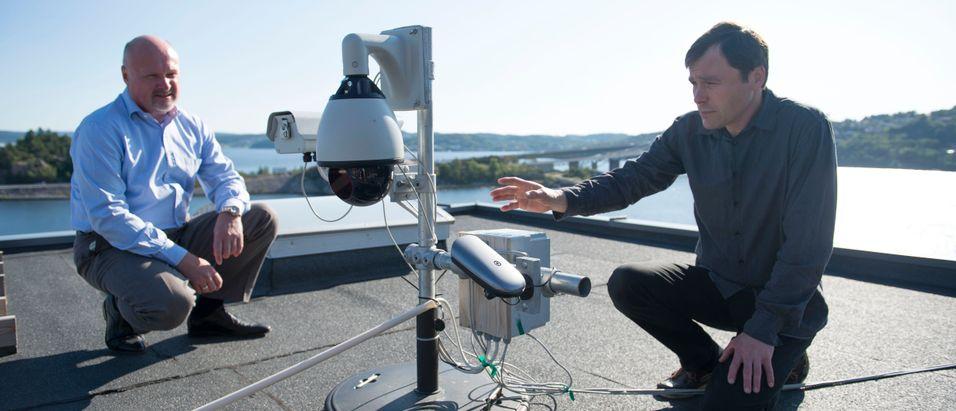 Investor og styreformann Carl-Fredrik Lehland sammen med gründer Jan Eide i Polewall, tilbyr nå gigabit-forbindelser trådløst ved hjelp av laser. I løpet av året regner de med å nå ti gigabit per sekund, og 40 gigabit per sekund innen sommeren 2015.