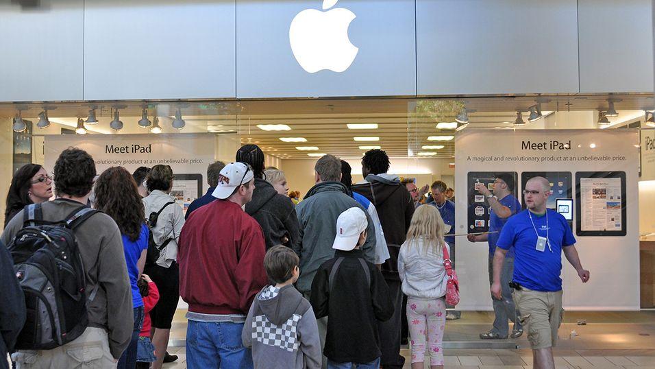 Apple-fans står allerede i kø for iPhone 6