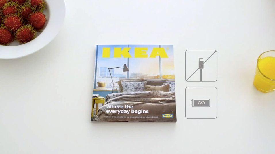 Ikke noen kabler, intet batteri. IKEA-katalogen er ifølge selskapet selv «fullkommen».
