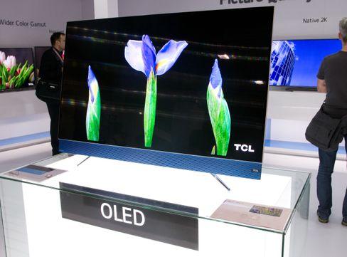 TCL byr også på OLED.