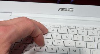 Asus ZenBook UX305 Deilig bærbar med én irriterende detalj