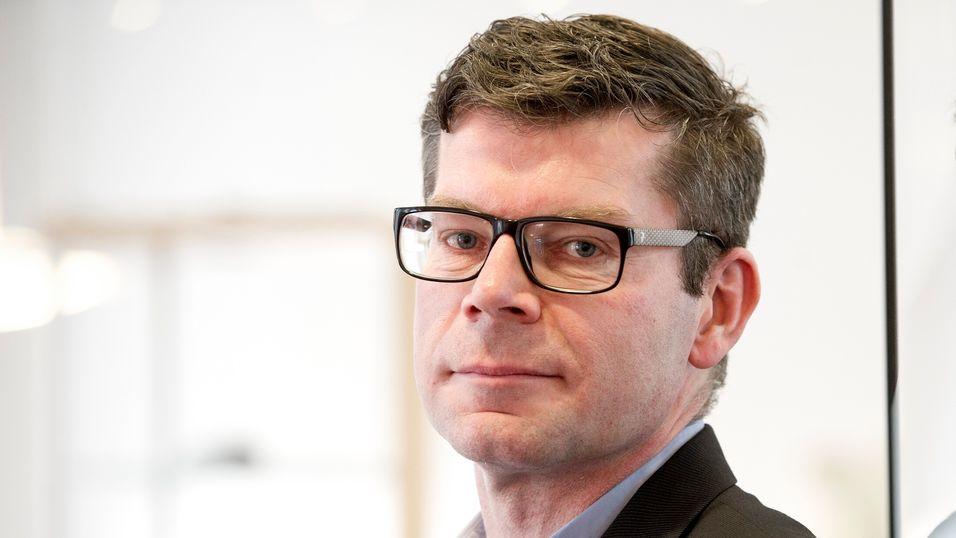 Avdelignsdirektør Gjermund Nese i Konkurransetilsynet sier det er naturlig emd en grundig granskning når to så store selskaper som Teliasonera og Tele2 slår seg sammen.