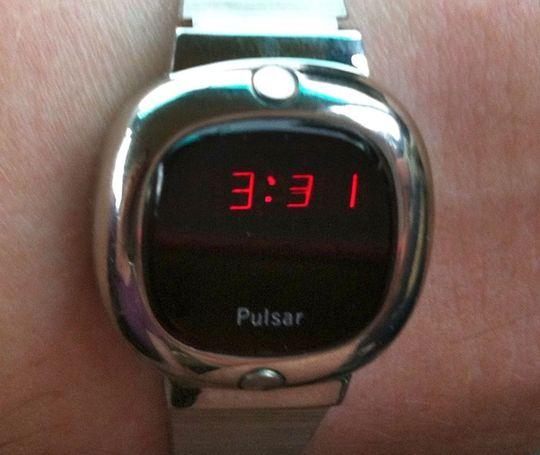 Pulsars første digitale klokke. .
