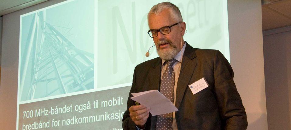 Direktør Tor Helge Lyngstøl i Direktoratet for nødkommunikasjon ser for seg en eller annen variant av samarbeid med kommersielle mobiloperatører for å gi nødetatene mobilt bredbånd.