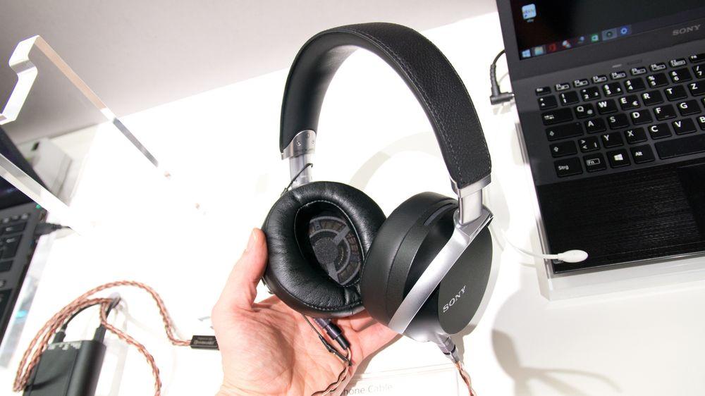 Sony fristet med hodetelefoner for de kresne. Prislappen var ikke satt enda, men de skulle i hvert fall ikke bli billige..
