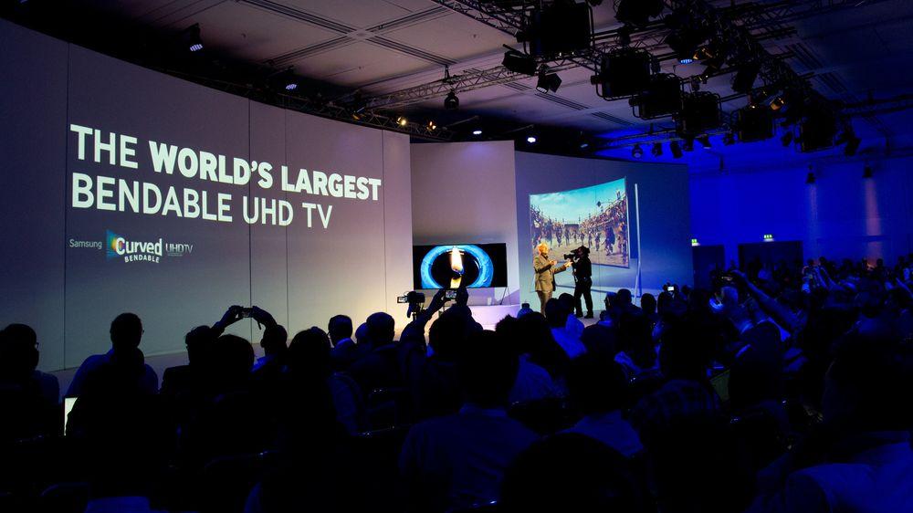 Stor ståhei i salen da Samsung trakk frem den drøyeste TV-en på lenge. .