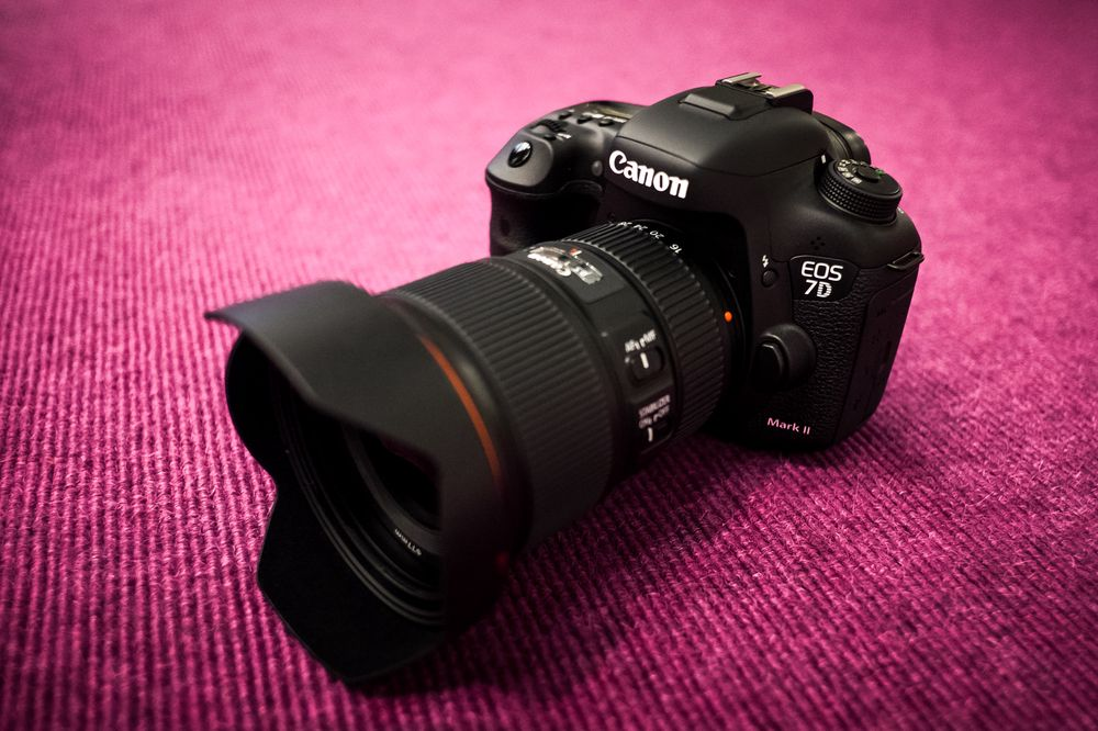 Canon EOS 7D Mark II med den nye Canon EF 16-35mm f/4.0 L IS USM.