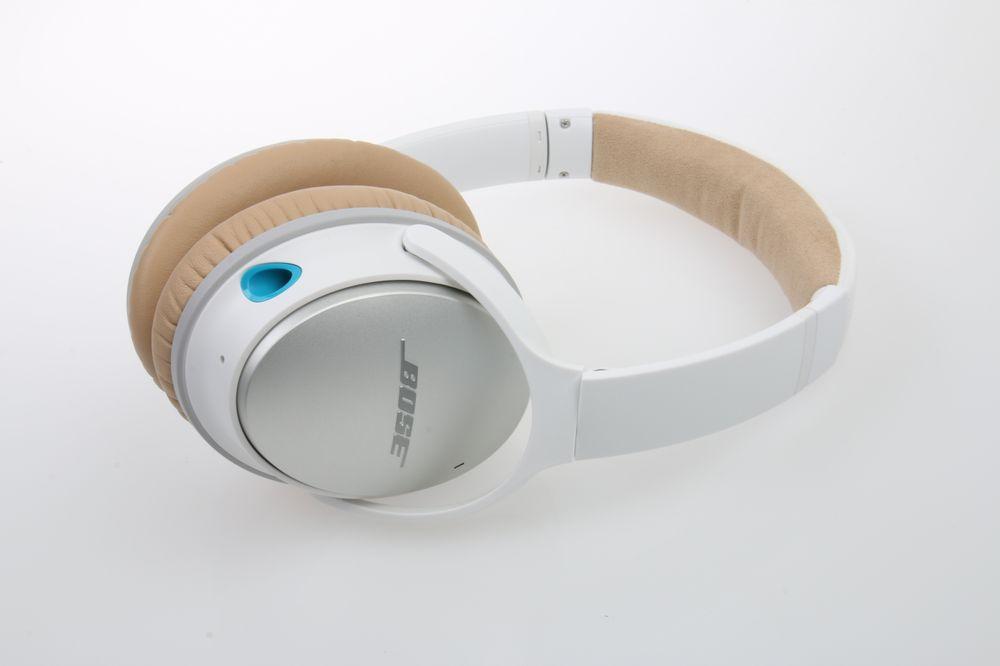 Bose QuietComfort 25 er slange i designen. .