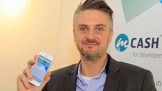 Daniel Döderlein i mCash mener NFC-teknologien er for komplisert, og satser heller på QR-koder.