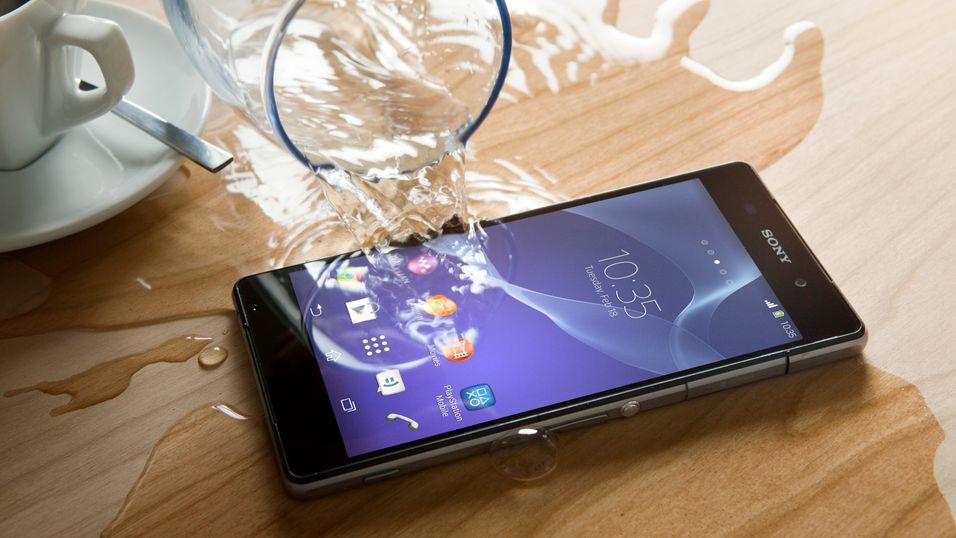 Sonys vanntette topptelefoner har jevnt over blitt godt mottatt av kritikerne, uten at dette har kunnet forhindre at markedsandelene faller.