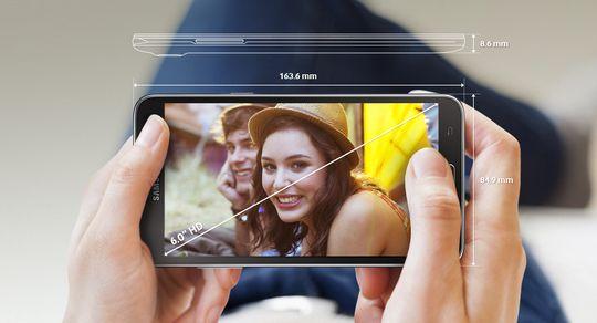 Den 6 tommer store skjermen byr ikke på den aller raffeste oppløsningen, men så er dette heller ikke en toppspesifisert telefon.