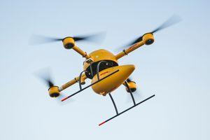 DHLs drone skal fly 50 meter over bakken.