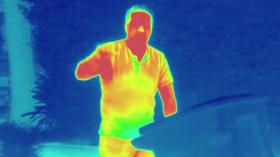 Slik ser det ut når du filmer med det varmesøkende kameraet.