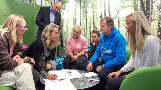 Konsernsjef Jon Fredrik Baksaas i Telenor ville gjerne høre hvilke tjenester superbrukerne ønsker seg.