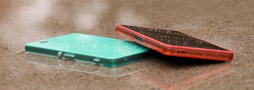 Sony Xperia Z3 Compact kan noe hverken Samsung Galaxy Alpha, eller Apples iPhone 6 kan; den kan bade. Sony fortsetter å satse på vanntette telefoner.