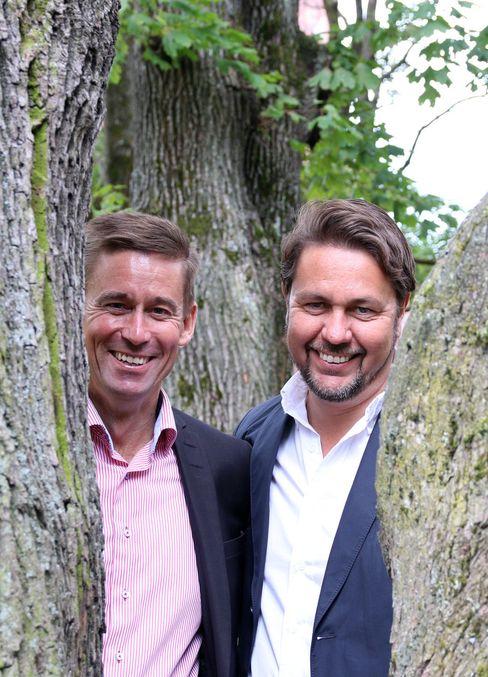 Netcom-sjef August Baumann og Tele2-sjef Arild Hustad har gjennom sine advokater argumentert tungt for at kjøpet av Tele2 ikke går ut over konkurransen i mobilmarkedet. Salget av Tele2-nettet til Ice skal sukre pillen for tilsynet.