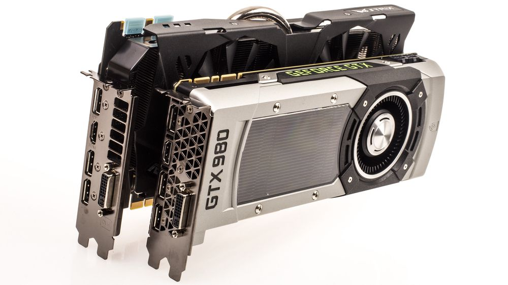 Asus GeForce GTX 980 Strix OC er betydelig større enn referansekortet fra Nvidia, det yter litt bedre, men bråker nesten ikke i det hele tatt.