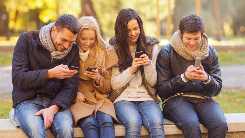 Nå er vi færre mennesker enn mobildingser i verden