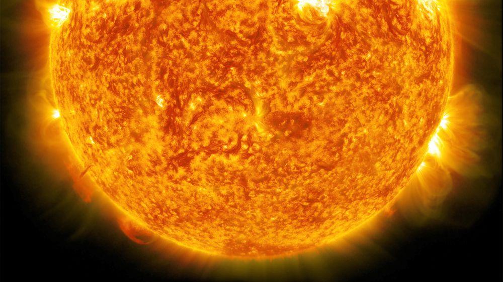 Solen er på et vis en eneste diger kjernefysisk fusjonsreaktor. Kald fusjon, en hellig gral eller diger bløff avhengig av hvem du spør, er litt enklere å håndtere.