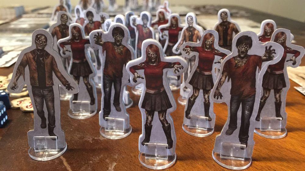 Zombier og overlevende kommer som fine pappfigurer i Dead of Winter.