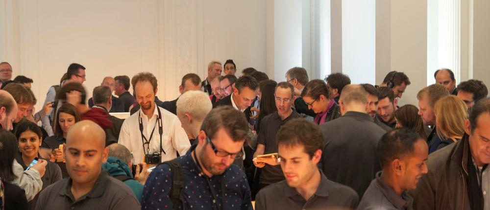 Apple viste frem nye produkter til noen hundre mennesker her i Berlin i går.