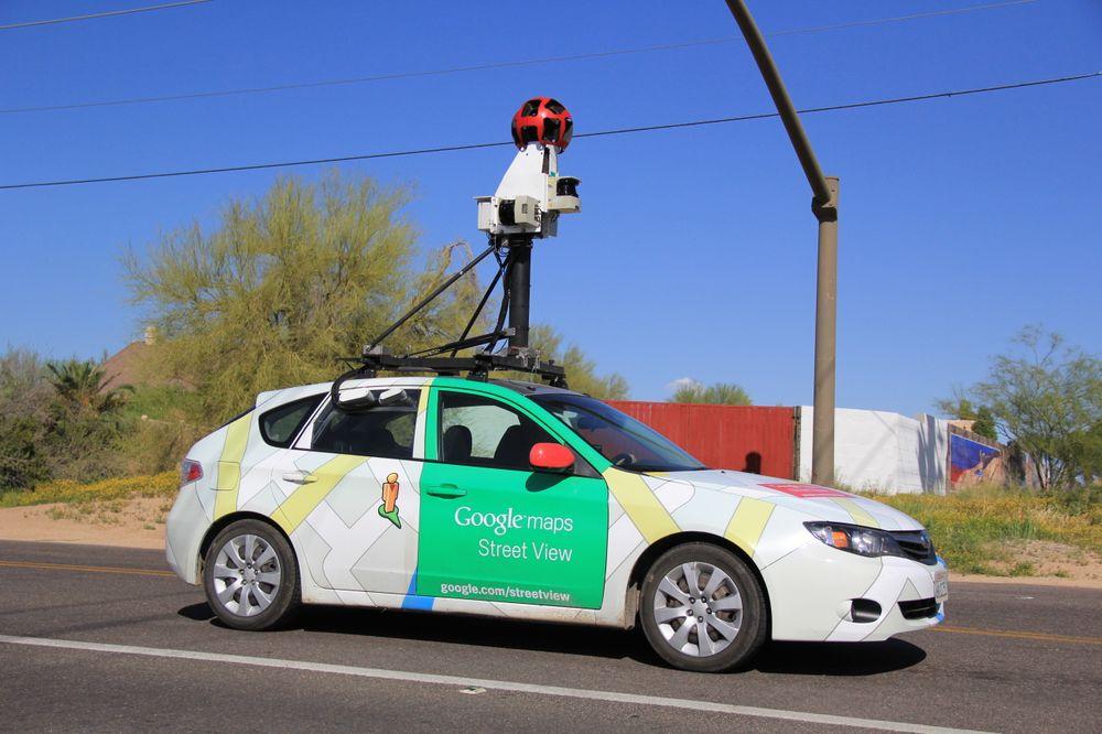 Street View-bildene ble først fanget av biler som denne, før teknologien senere ble krympet ned til å passe i en ryggsekk.