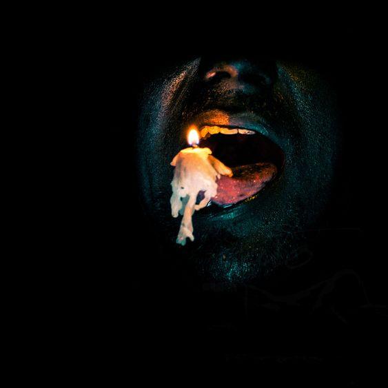 «Hva om jeg setter et stearinlys på tungen?».