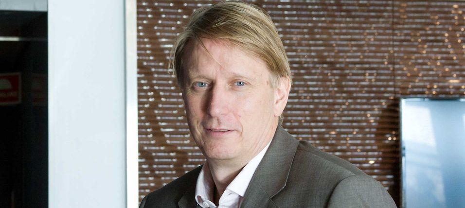 Administrerende direktør Gisle Pedersen i Telenor-selskapet Canal digital kabel-tv vil gjerne gi kundene valgfrihet, men må først gjøre endringer i nettverket, skriver han.