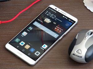 Huawei Ascend Mate 7 vinner testen, men så har den også ett enormt batteri.