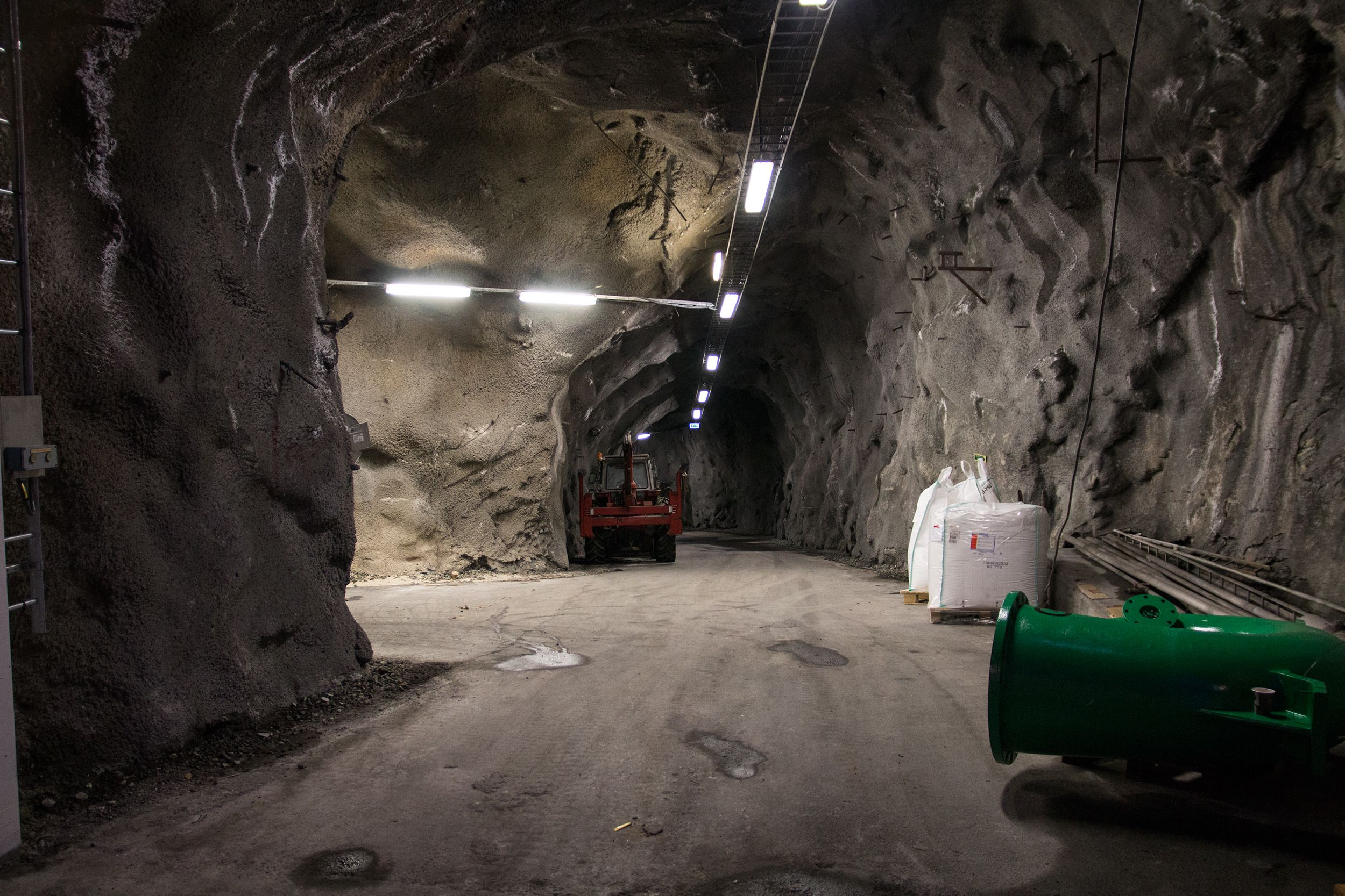 togtunnel fra sandvika mot oslo