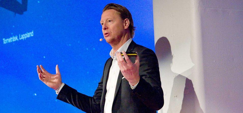 Ericsson-sjef Hans Vestberg mener mye av debatten om nettnøytralitet blir for enkel. Poenget er at selvkjørende biler og kirurgi over Internett har helt andre behov enn kattungevideoer på Youtube. - Men tilgang til nettet skal alle ha, sier han.
