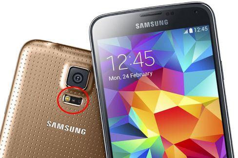 Stadig flere telefoner og smartklokker kommer med en optisk pulssensor.