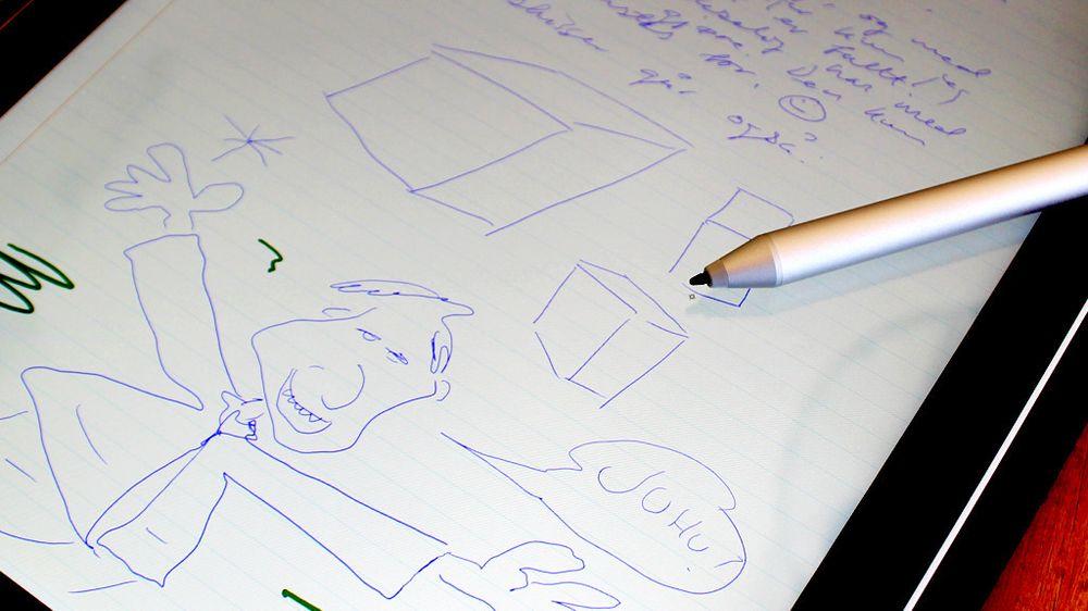 Enkelte mobiler og nettbrett har en ekstra innebygget sensor som snakker med digitale skjermpenner. Denne omtales som regel som en «digitizer».