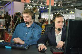 Sindre «SmiileyGuy» og Wirkola og Eskil «Fearsome» Uggen kommenterte League of Legends-finalen.