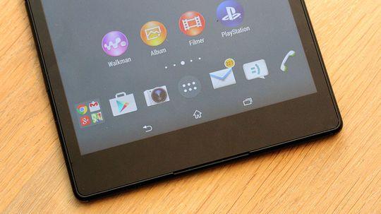 Nå finner du menyfunksjonene på samme sted som på mobilen, og ikke rundt omkring i hjørnene på skjermen, slik tilfellet er på Xperia Z2 Tablet.
