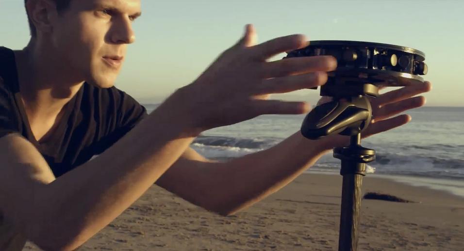 Dette er Project Beyond-kameraet som Samsung allerede har avduket. Det nye «Gear 360»-kameraet blir tilsynelatende et mye mer kompakt produkt