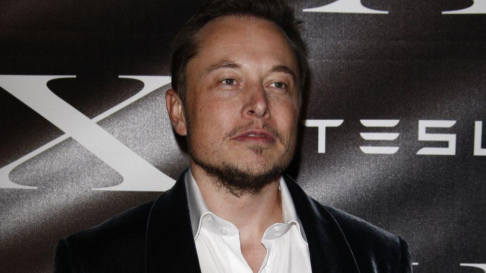 Tesla-grunnleggeren vil gi hele verden billig Internett med satelitter