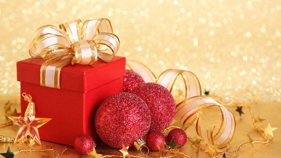 Julekalenderluke 6 er åpen, og bak skjuler det seg et nettbrett fra Lenovo!