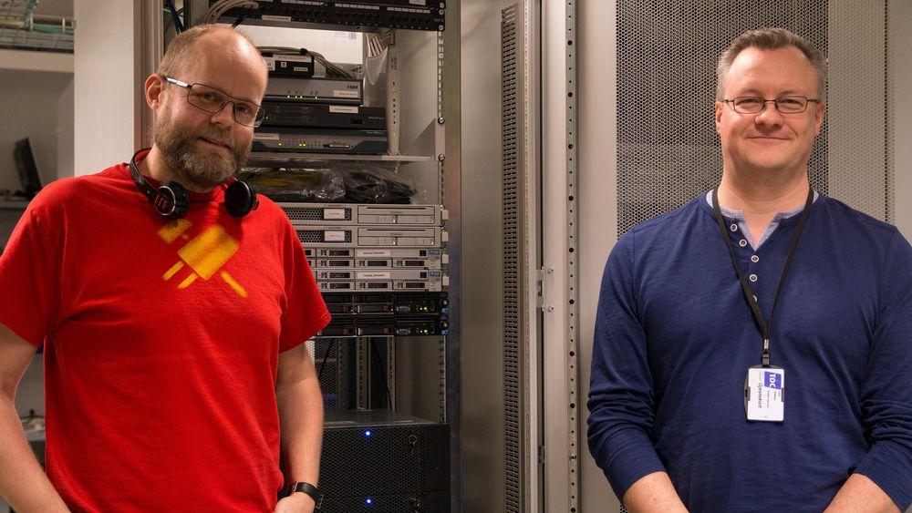 Kjetil Homme, seniorkonsulent i Redpill Linpro (t.v) og Lars Olafsen, driftssjef i Redpill Linpro.