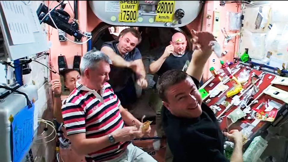 Slik feirer astronautene Thanksgiving