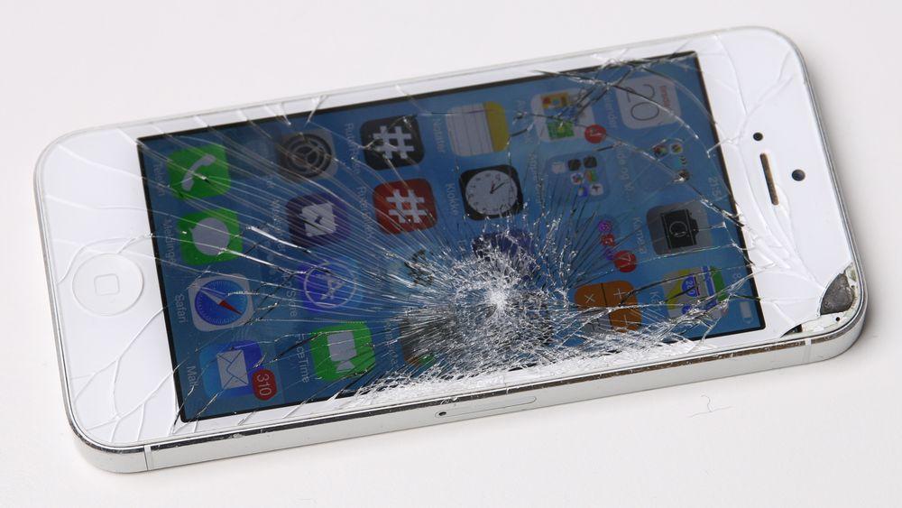 Tusener å spare på å bytte mobilskjermen selv