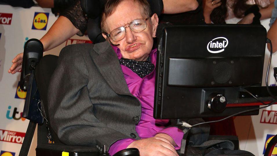Stephen Hawking regnes som en av verdens aller smarteste mann. Nå advarer han om den raske utviklingen innenfor kunstig intelligens.
