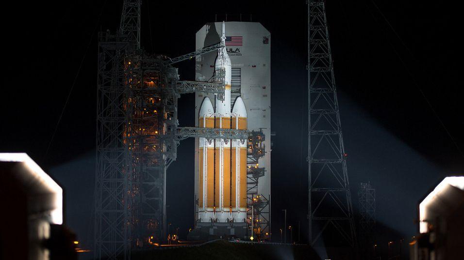 LIVE: Orion flyr nå over Stillehavet