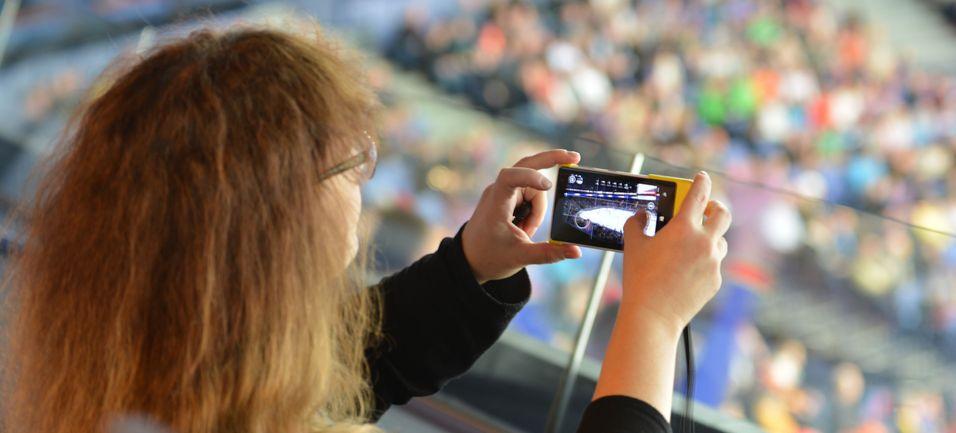 Operatøren Elisa og Nokia Networks har samlet radiostøy fra smartmobiler sammen til en nyttig datastrøm som gir opp til ti ganger raskere mobilt bredbånd i utkanten av dekningsområdet rundt antennene.