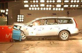Volvos tester skal visstnok være langt mer omfattende enn andre produsenters. Her en krasjtest av en Volvo V70 fra EuroNCap.