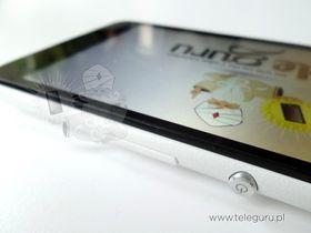 Sony beholder sølvknappen på Xperia E4.