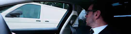 Alle skjermer i bilen skal utstyres med kameraer og skjermer, slik at føreren får 360 graders synsfelt.