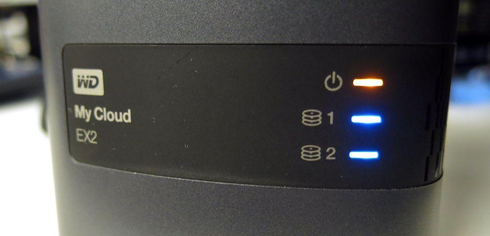 WD My Cloud EX2 har ingen lydalarm, men kan varsle deg med blinkende lys og e-post.