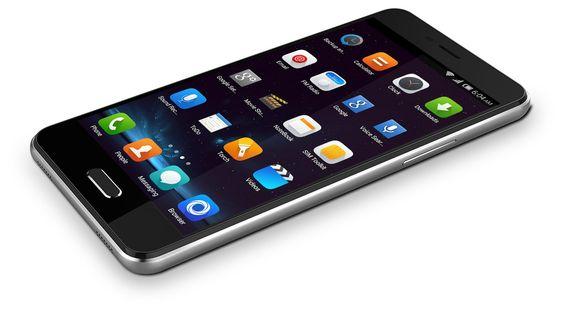Slik ser nye Elephone P5000 ut. Til tross for at batteriet er nesten dobbelt så stort om i de fleste av konkurrentene, er telefonen bare 9,3 millimeter tykk.